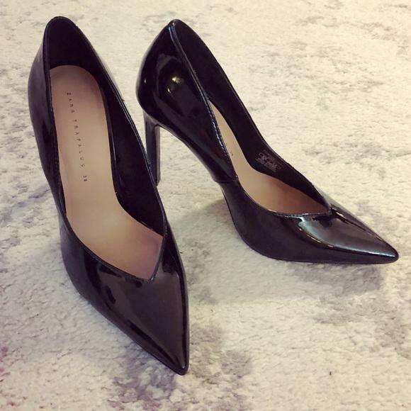 8f48ee857 Classic black patent leather Zara Trafaluc heels. M_5ac6b9695512fd0725330e6e